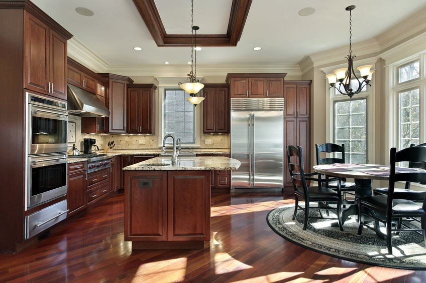 Replacing the Fluorescent Lighting in Your Kitchen: Advice for San Diego Homeowners