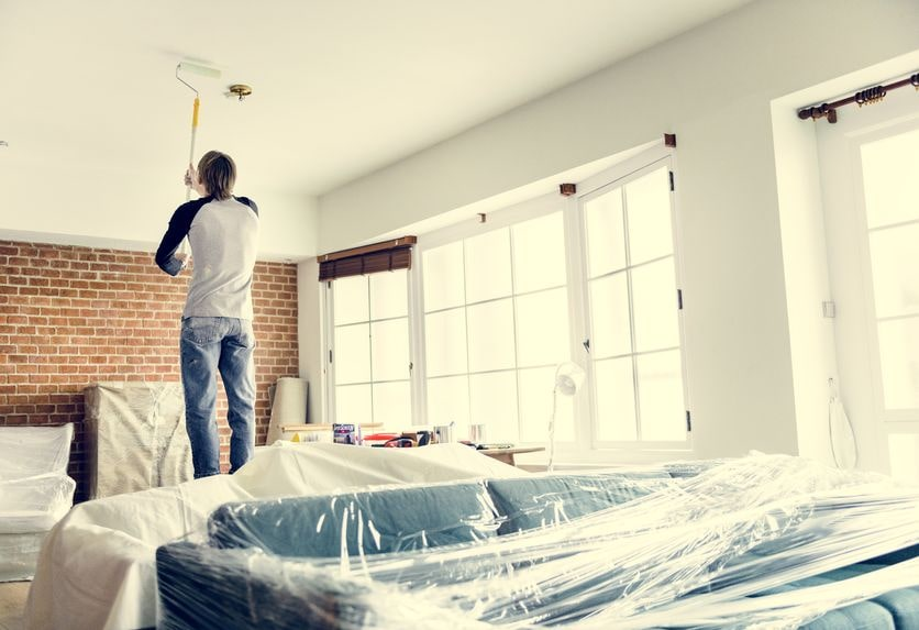 I'm a DIYer, But When Should I Call in a Professional San Diego House Painter?