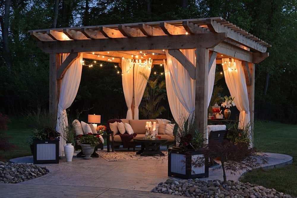 Creating Family Oasis: Spruce Up Your Outdoor Space